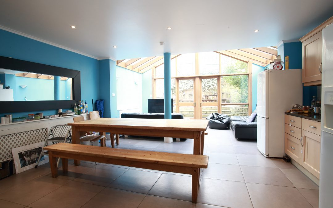 Bamborough Gardens – Room 8 – Second Floor – W12 8QN – £215 per week