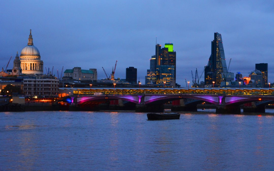 London Living: A guide to surviving and thriving in the City